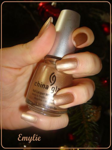 china glaze jingle bells