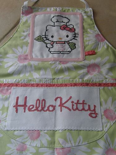 tablier hello kitty septembre 2011