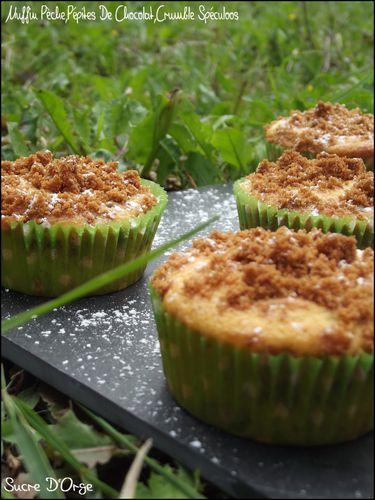 Muffin-Peche-Pepites-de-chocolat--crumble-speculoos--3-.JPG
