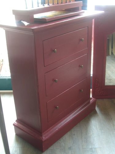 patine rouge pour un chiffonier pass simple r novation meubles. Black Bedroom Furniture Sets. Home Design Ideas