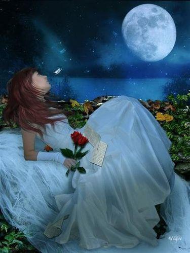 Femme lune Corinne
