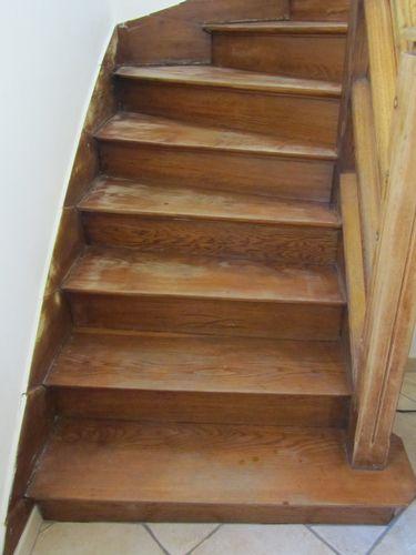 Peinture coup de neuf de mes 10 doigts for Peinture v escalier bois
