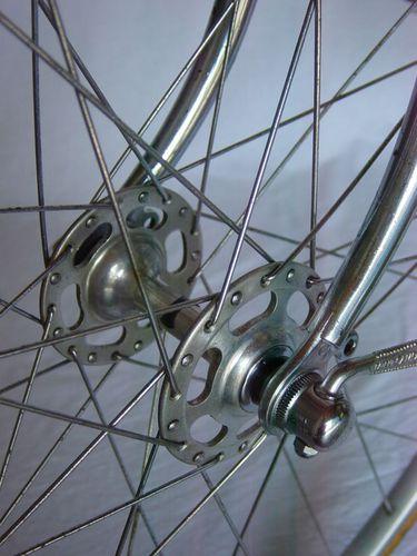 R moyeu roue AV