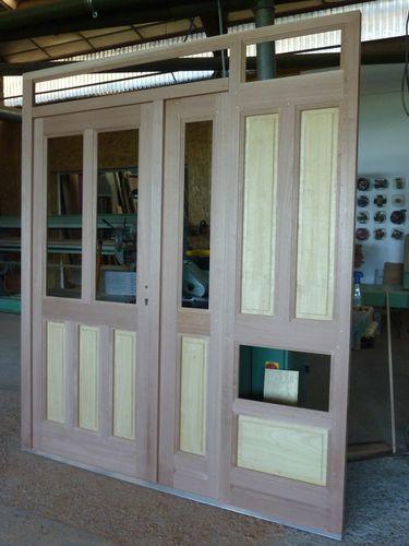 fabrication d 39 une porte d 39 entr e atelier la toupie 06 50 96 84 62. Black Bedroom Furniture Sets. Home Design Ideas