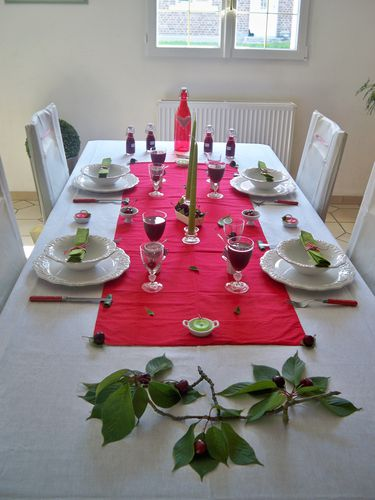 Table cerise 002