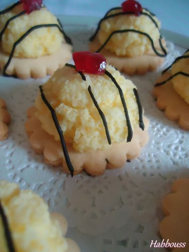 Petits Fours Coco Orange