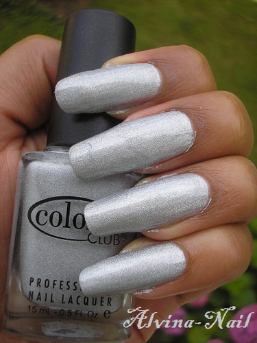 Color-club2---worth-the-risque--Alvina-Nail.png