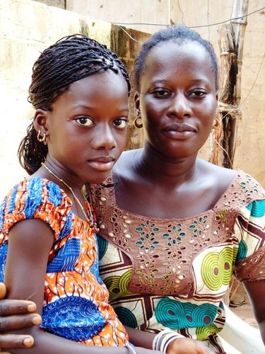 Avec sa maman Awa Badiane (1)
