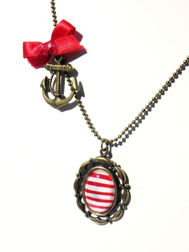 collier-un-petit-air-marin-rouge-et-blanc