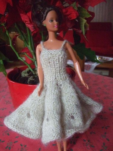 robe-bal-barbie--2-.JPG