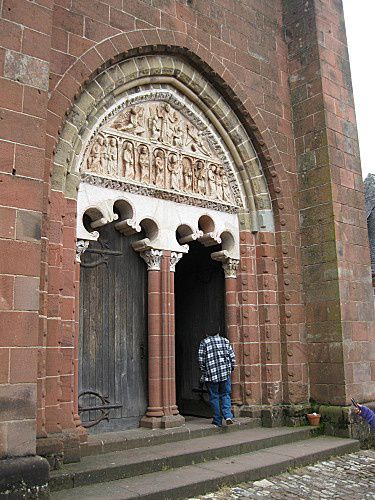 eglise-st-pierre-de-collonges--1-.jpg