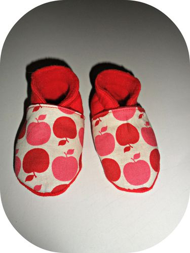 chaussons pommes rouges