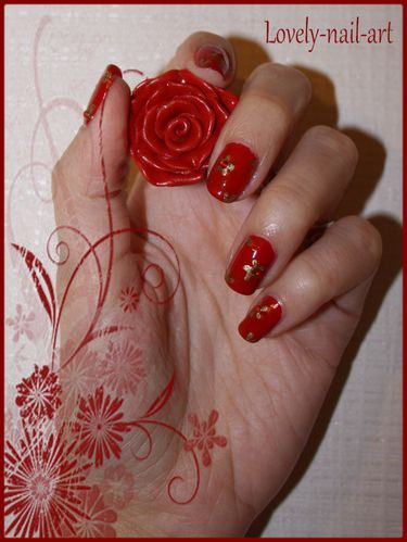 Nail-art-peace-and-love.jpg