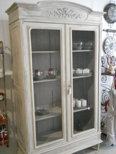 meuble grillage a poule armoire deux portes blanche et grise avec grillage meuble de ma grand. Black Bedroom Furniture Sets. Home Design Ideas