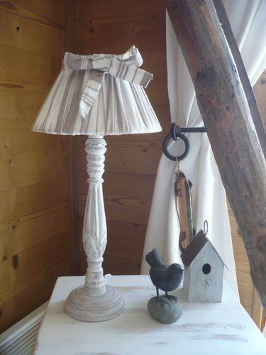 petit achat cette jolie lampe pour changer un peu des skieurs lut with lampe maisons du monde. Black Bedroom Furniture Sets. Home Design Ideas