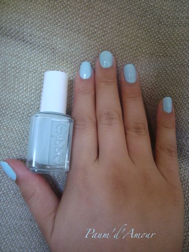 essie-borrowed---blue-2.JPG