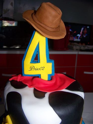 Gateau anniversaire Woody Toy Story10