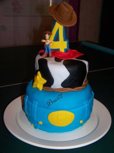 Gateau anniversaire Woody Toy Story6