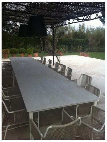 Table de reunion en b ton balian beton atelier for Table exterieur 3 metres