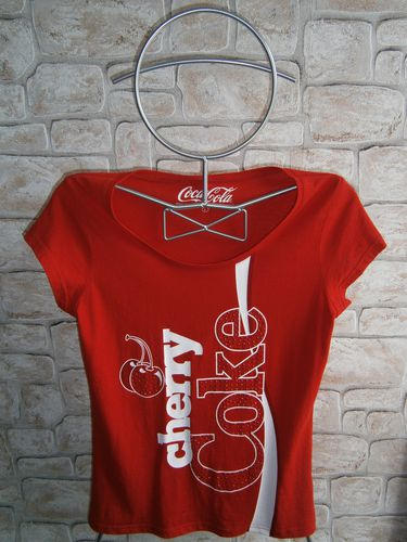 tee shirt cherry coke