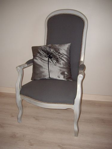restauration d 39 un fauteuil voltaire le blog de pamela. Black Bedroom Furniture Sets. Home Design Ideas