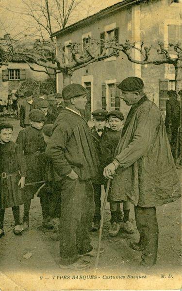 Haurrrak eta bi gizon 1912