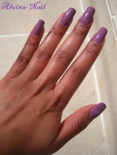 yves-rocher-mauve-poudre-23-3-Alvina-Nail.png
