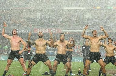 new-zealand-all-blacks-haka-in-rain