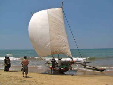 637-NEGOMBO-Catamaran.JPG