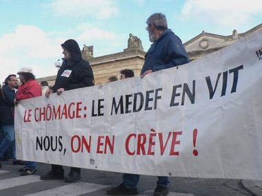 chomage-medef-phototheque-rouge-meno.jpg