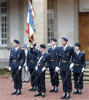 LMA - Drapeau de l'école et sa garde d'honneur - 2011