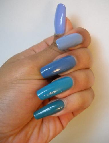 degrade-de-ton-bleu--Alvina-Nail.png