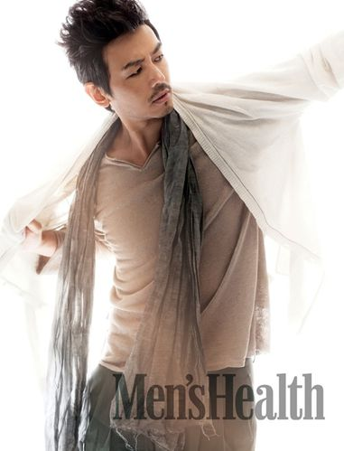 Men-s-Health-07-2011---Jo-Yeon-Woo.jpg