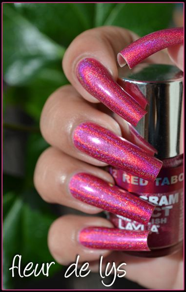 Layla Hologram effect collection
