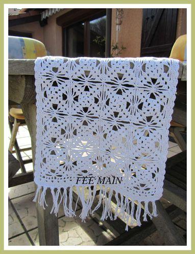 Chemin-de-table-7-Crochet-copie-1.JPG