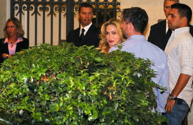 20130822-pictures-madonna-hard-candy-fitness-center-rome-05.jpg