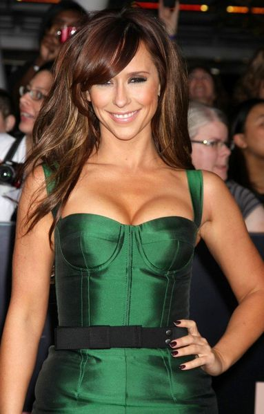 jennifer-love-hewitt-premiere-breaking-dawn-1-02.jpg
