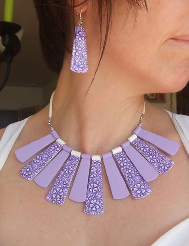 collier-lilas.jpg