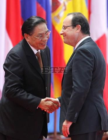 Presidnt-Hollande-au-Laos.jpg