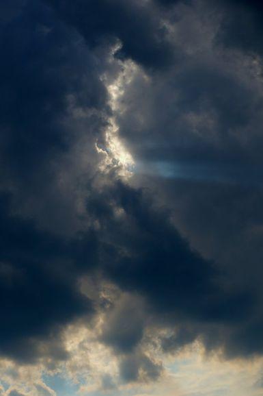 Ciel-la-mort-nous-guette-de-Luc-Viatour.jpg