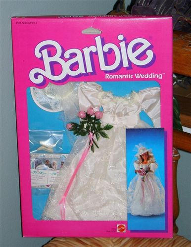 Vintage-Barbie-Doll-ROMANTIC-WEDDING-Fashion-Pack-Set--3102.jpg