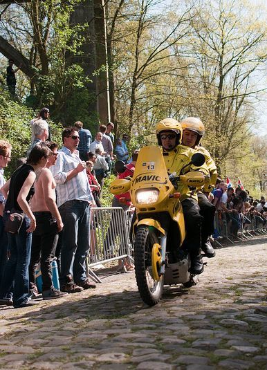 paris roubaix 2011. Paris-Roubaix 2011 moto mavic