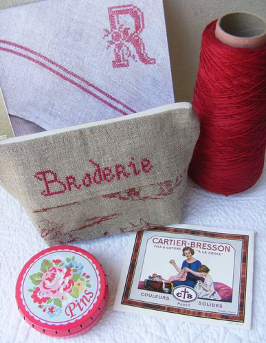 trousse broderie