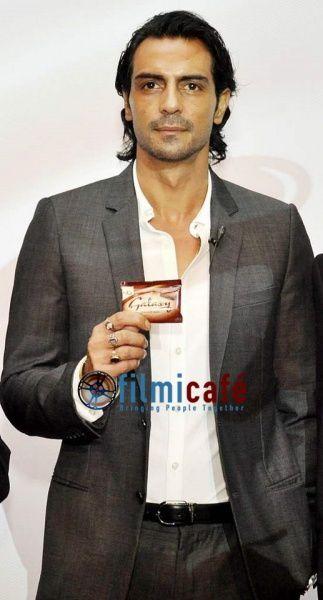 Arjun-Rampal-at-Galaxy-Tablet-Chocolate-Launch-in-Delhi-1.jpg