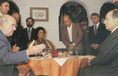 Mitterrand Kadhafi