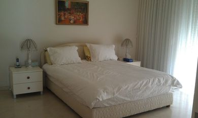 The Island holiday apartment for rent bedroom spacious herz