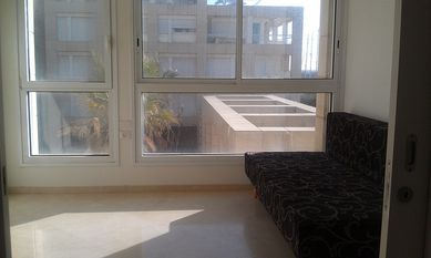 vacation flat for ren in herzliya pituah, on the sea