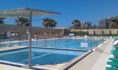 swimming-pool-of-okeanosbamarina-in-herzliya-short-term-rent
