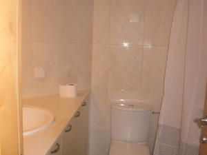 bathroom in loft in okeanos ba marina apartment for rent in Israel herzliya