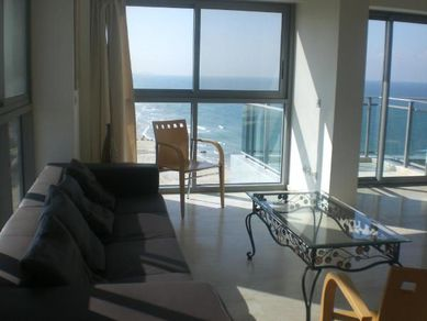 herzliya marina flat for rent